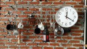 Nut die op de muur hangen Stock Afbeeldingen