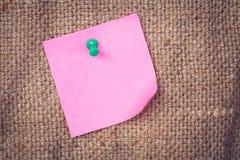 Nutowego papieru menchie z pchnięcie szpilkami Zdjęcia Stock