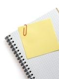 Nutowy papier i notatnik na bielu Zdjęcie Stock