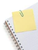 Nutowy papier i notatnik na bielu Zdjęcia Stock