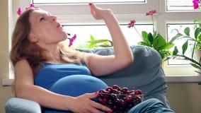 Nutrición sana en el noveno mes del embarazo almacen de video