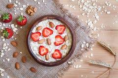 Nutririon saudável da dieta do papa de aveia da farinha de aveia do café da manhã Fotografia de Stock