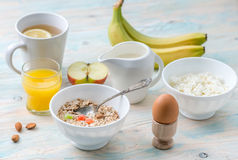 Nutritious brunch with cottage cheese and oats Royalty Free Stock Photos