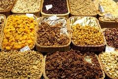 Nuts и высушено - плодоовощ стоковая фотография