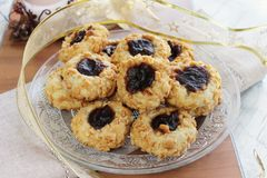Nuts and jam cookies Royalty Free Stock Photography