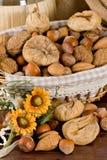 nuts torkade figs Royaltyfri Fotografi