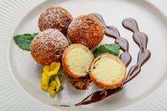 Nuttig en smakelijk voedsel, diep Fried Milk, dessert van melk Royalty-vrije Stock Foto