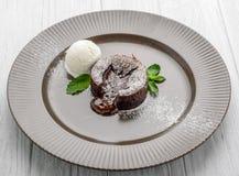 Nuttig en smakelijk voedsel, hete Chocoladepudding, Fondantjeau chocolat Royalty-vrije Stock Afbeelding