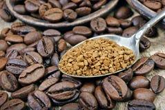 Nuttig natuurlijk aromatisch onmiddellijk onmiddellijke koffieclose-up royalty-vrije stock foto