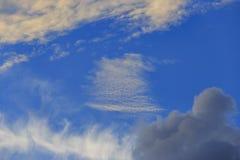 Nuvem branca e escura Imagem de Stock Royalty Free