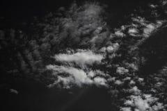 Nuvem branca no céu preto Imagem de Stock Royalty Free