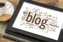 Nuvem da palavra do blogue na tabuleta digital Foto de Stock
