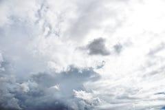 Nuvem de chuva antes do strom fotografia de stock royalty free