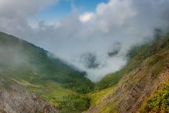 Nuvem descida às montanhas Imagem de Stock Royalty Free
