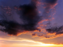 Nuvem e céu bonitos do por do sol Fotos de Stock Royalty Free