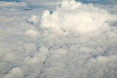 Nuvem e céu macios brancos Imagens de Stock Royalty Free