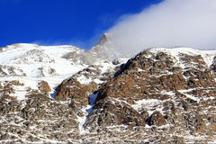 Nuvem e montanha Imagens de Stock Royalty Free