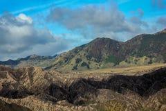 Nuvem e montanha Imagem de Stock