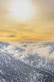 Nuvem e sol em Kasprowy Wierch de Zakopane em Tatras no inverno Foto de Stock Royalty Free