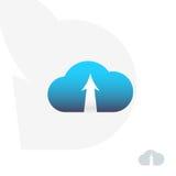 Nuvem Logo Design Nuvem com seta Transferência de dados Emblema do armazenamento virtual da nuvem com seta Fotos de Stock