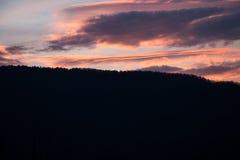 Nuvem na montanha fotografia de stock royalty free