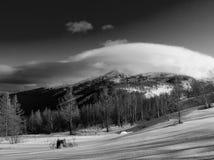 Nuvem na montanha Foto de Stock