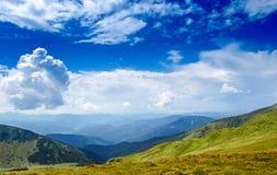 Nuvem nas montanhas Foto de Stock
