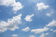 Nuvem no céu imagens de stock