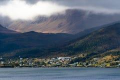 Nuvem que levanta das montanhas famosas do planalto na baía de Bonne fotos de stock royalty free