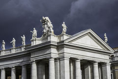 Nuvem sobre St Peter imagens de stock