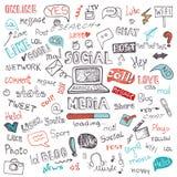 Nuvem social da palavra e do ícone dos meios Garatuja esboçado Imagem de Stock Royalty Free