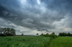 Nuvem tempestuosa escuro Fotos de Stock Royalty Free