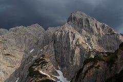 Nuvem tempestuosa sobre o Totenkirchl foto de stock royalty free