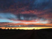 Nuvens ajustadas do sol pedy de Coober Foto de Stock