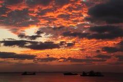 Nuvens ardentes Fotografia de Stock
