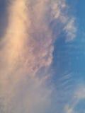 Nuvens brancas bonitas Imagens de Stock Royalty Free