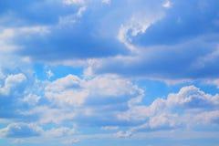 Nuvens brancas e céu azul 171019 0194 Imagens de Stock