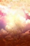 Nuvens brilhantes e escuras Imagem de Stock Royalty Free
