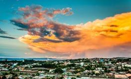 Nuvens coloridas grandes fotografia de stock