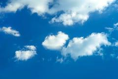 Nuvens com céu azul Imagem de Stock