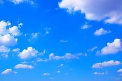 Nuvens com fundo 171019 0189 do céu azul Fotografia de Stock