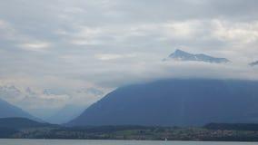 Nuvens da paisagem do lago river video estoque