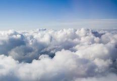 Nuvens da parte superior Fotografia de Stock Royalty Free