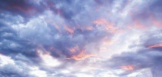 Nuvens de Bluefire fotografia de stock