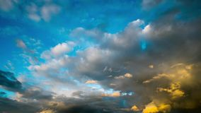Nuvens de chuva escuras, tempo-lapso video estoque
