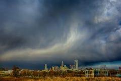 Nuvens de chuva tormentosos sobre a skyline de charlotte North Carolina Imagens de Stock Royalty Free