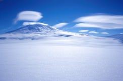 Nuvens de Erebus da montagem Imagem de Stock