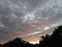 Nuvens de Sunchine imagens de stock