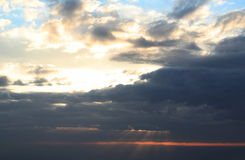 Nuvens de tempestade imagens de stock