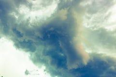 Nuvens de tempestade escuras antes da chuva Fotos de Stock Royalty Free